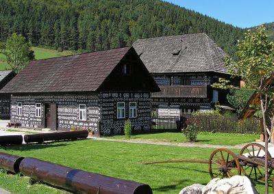 Holzhäusern-in-Cicmany